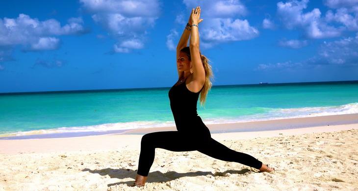 Йога и пилатес: простые упражнения для начинающих